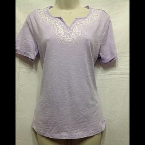Women sz Small embroidered tee w/ roll up sleeves